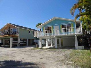 Beachside Palms 2 ~ RA144463