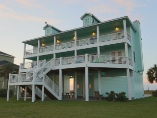 The Ritz of Crystal Beach ~ RA146065