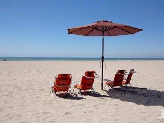 4121 O -751505 Blue Water Horizon Beach House ~ RA147957
