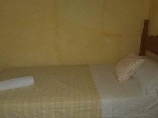 Centrico,Olavide, Habitacion individual con bano compartido. 8