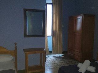 Centrico , Olavide ,Habitacion privada con bano privado. 6