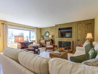 Private, upscale home near Honeysuckle Beach, town center, etc.!