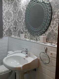 N2 Baño con ducha,parte de las habitaciones