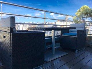 Duplex avec terrasse a 150m de la Plage