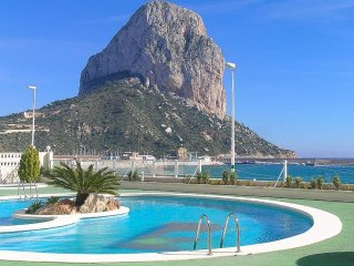 Cozy apartment a short walk away (257 m) from the 'Playa Cantal Roig' in Calp wi