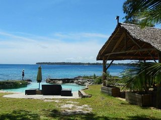 Pacifique Vue - Beautiful waterfront holiday home in the South Pacific