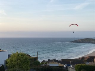 2 bed Cliff top apartment with large terrace and sea views of Fistral Beach.