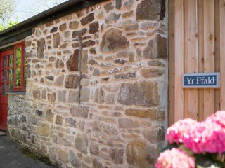 Yr Ffald Cottage. Cottage by the sea perfect for friends and family