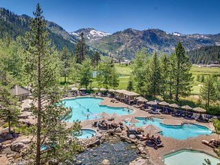 Luxury amenities, ski-in/ski-out, hot tubs, pool, and more! Family Friendly!
