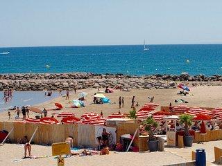 FRAICHEMENT RENOVE : T2+cabine - 1ere ligne sur plage - 2adultes et 2 enfants