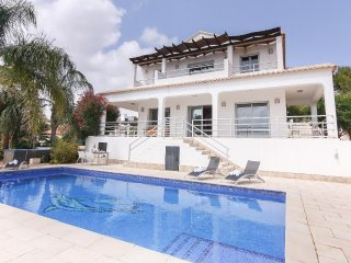 Spacious villa in Benissa with Internet, Washing machine, Pool, Balcony