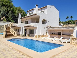 Spacious villa in Benissa with Parking, Internet, Washing machine, Pool