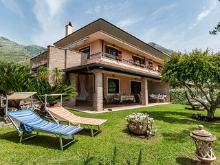 Great villa sea view with garden between Rome & Naples