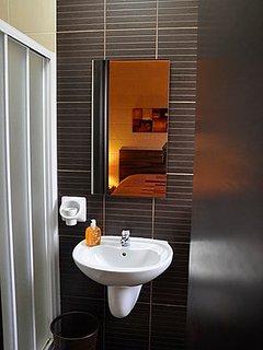 En Suite in Main Bedroom