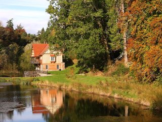 The Boathouse gorgeous self-catering holiday accommodation, dog friendly