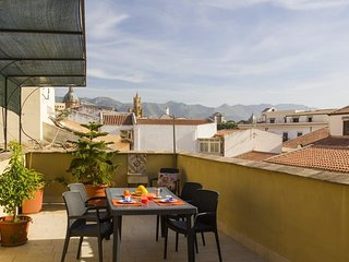 Apartment in the center of Palermo with Internet, Air conditioning, Lift, Terrac