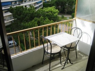 Cosy studio close to the center of Marseille with Lift, Internet, Washing machin