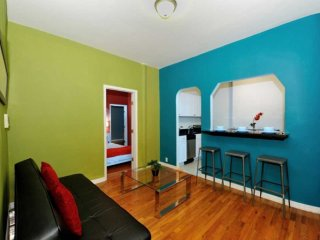 Colourfully 4 beds Time Square (8653)
