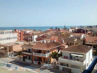 Alquiler apartamento con vistas al mar, dos dormitorios plaza de garaje