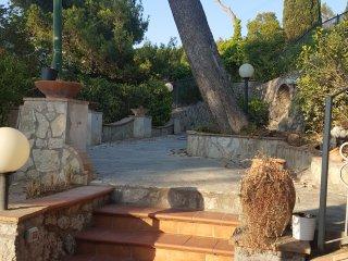 Villa la solara camera Quadrupla con bagno privato
