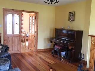 Bundoran Holiday Lets (large 4 bed detached house)