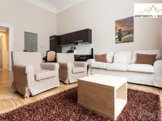 Cozy apartment in the center of Budapest with Lift, Internet, Washing machine
