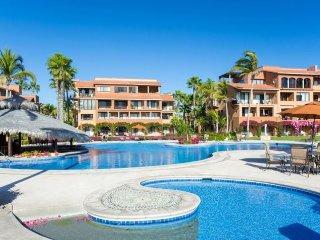 Beautiful Cabo Beachfront 1 Bed/1 Bath Condo at 5 Star Hotel/Cabo Corridor