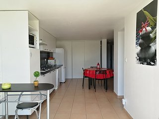 Rez de villa à 5 mn des plages, climatisé, calme, proche d'Ajaccio et Porticcio