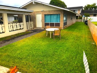 Kailua, Cozy, Spacious Duplex Home