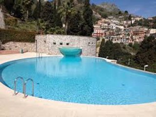 PANORAMIC FLAT  Terrace with View, Pool + Parking