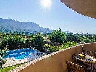 Apartments Setemana - Premium Two-Bedroom Apt with Balcony and Swimming Pool