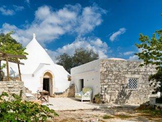 Stunning trullo villa w/vast garden