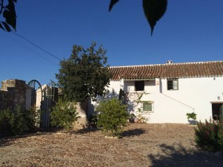 Chalet with 3 rooms in Almodovar Del Río, with enclosed garden and WiFi