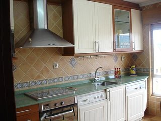 Amplio Piso de 3 habitaciones en San Vte Barquera.