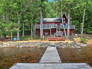 New! 2BR+Loft Lakefront Barrington Cottage w/Dock!