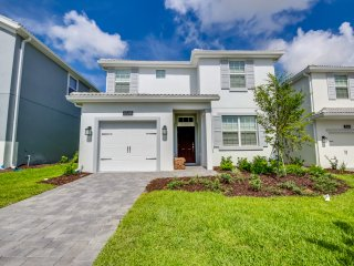 Brand New 5 bedroom 5 bath Champions Gate home from $198nt