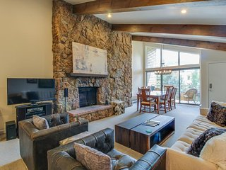 Beaver Creek West condo w/ shared pool, hot tub, and shuttle to the slopes