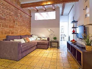 Spacious apartment close to the center of Barcelona with Lift, Air conditioning,