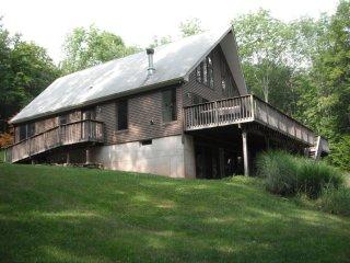 Lake Jeff Tree House - Outdoor living near Bethel Woods