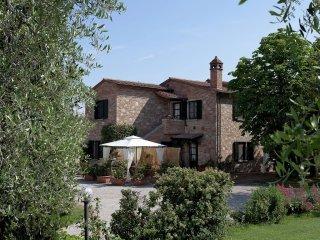 Apartment in Foiano della Chiana with Internet, Pool, Terrace, Garden (336756)