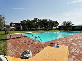 Apartment in Foiano della Chiana with Internet, Pool, Terrace, Garden (336754)