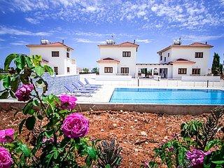 APHRODITE VILLA - Private gated complex of 3 villas in Ayia Thekla
