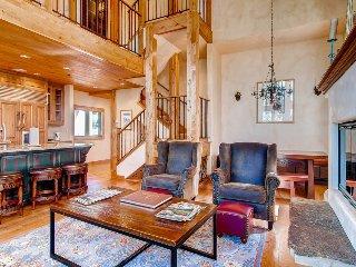 The height of mountain living - Mountain village core, media room - Shirana Penthouse