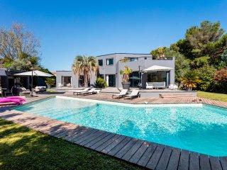Magnifique villa avec piscine proche des plages