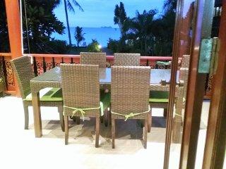 Belle villa sur la plage de Maenam ( Bang por )
