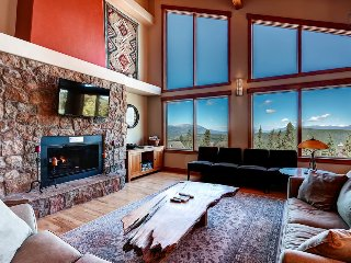 Spacious mountain home with amazing views, hot tub, free shuttle  (amazing views, free shuttle) - Sundara Place