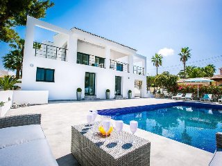 Luxury Villa for 10 people in Moraira