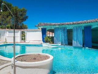 Modern Cascais House apartment in Cascais {#has_l…