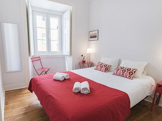 Sara's home: charm at Alfama