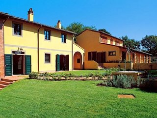 4 bedroom Apartment in Varramista, Tuscany, Italy : ref 5226620